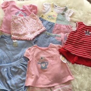 Bundle NWT NWOT 5 outfits Baby Girls 6 to 9 mos💕